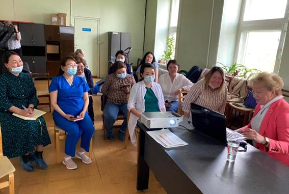 Главный внештатный специалист-ревматолог Хабаровского края и ДВФО Оттева Эльвира Николаевна  посетила с рабочим визитом Клинику ЯНЦ КМП